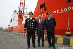 Слева направо: Петр Паринов