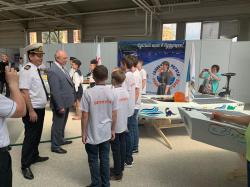 Лодки на солнечных батареях презентовали на научно