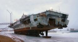 Авианесущий крейсер в доке