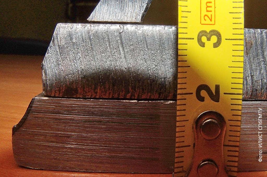 Кромка реза металла больших толщин. Использовался волоконный лазер мощностью 6 кВт / Любой ИЛИСТ СПбГМТУ