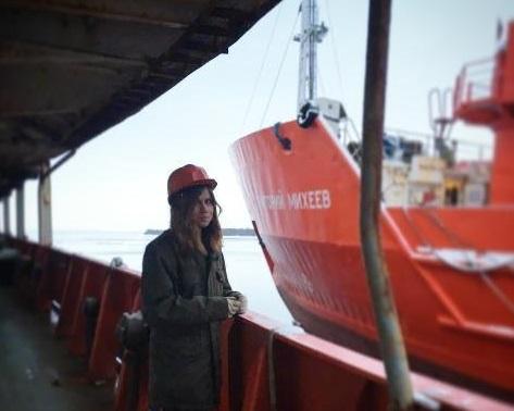 Работа для девушке на судне модели онлайн красный кут