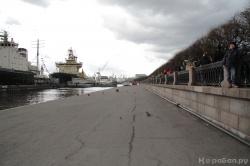 Парад ледоколов, очередь на набережной