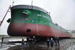 Спуск танкера