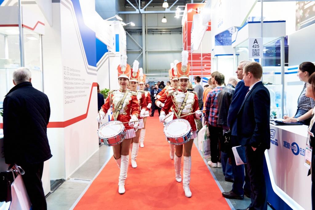 Выставки биеннале в Москве  описания фото отзывы даты