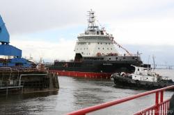 Спуск на воду ледокола проекта 21180