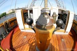 На палубе парусника