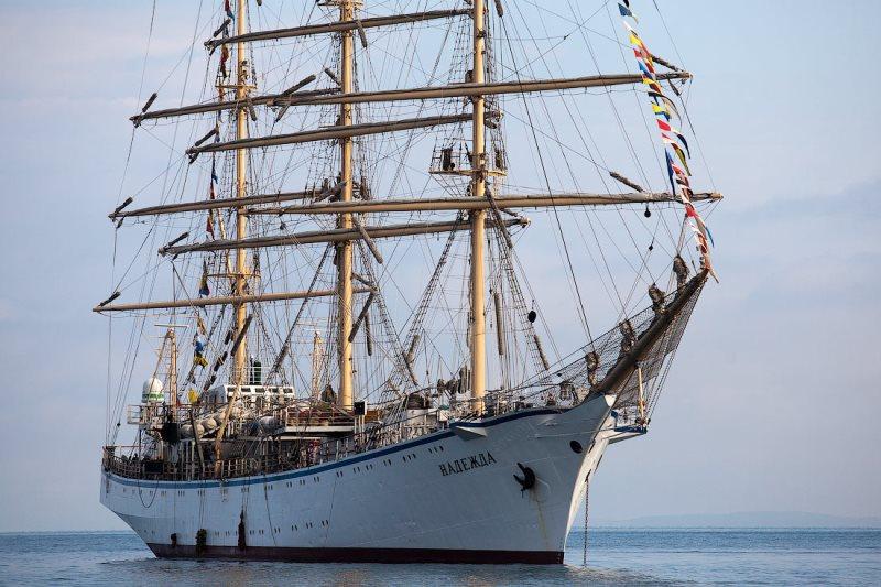 Барк «Крузенштерн» готовится кучастию вЧерноморской регате