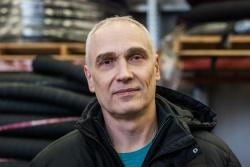 Станислав Борисов - начальник отдела по работе с к