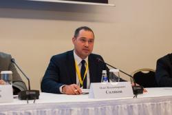 Модератор рабочей сессии - Олег Соляков, помощник