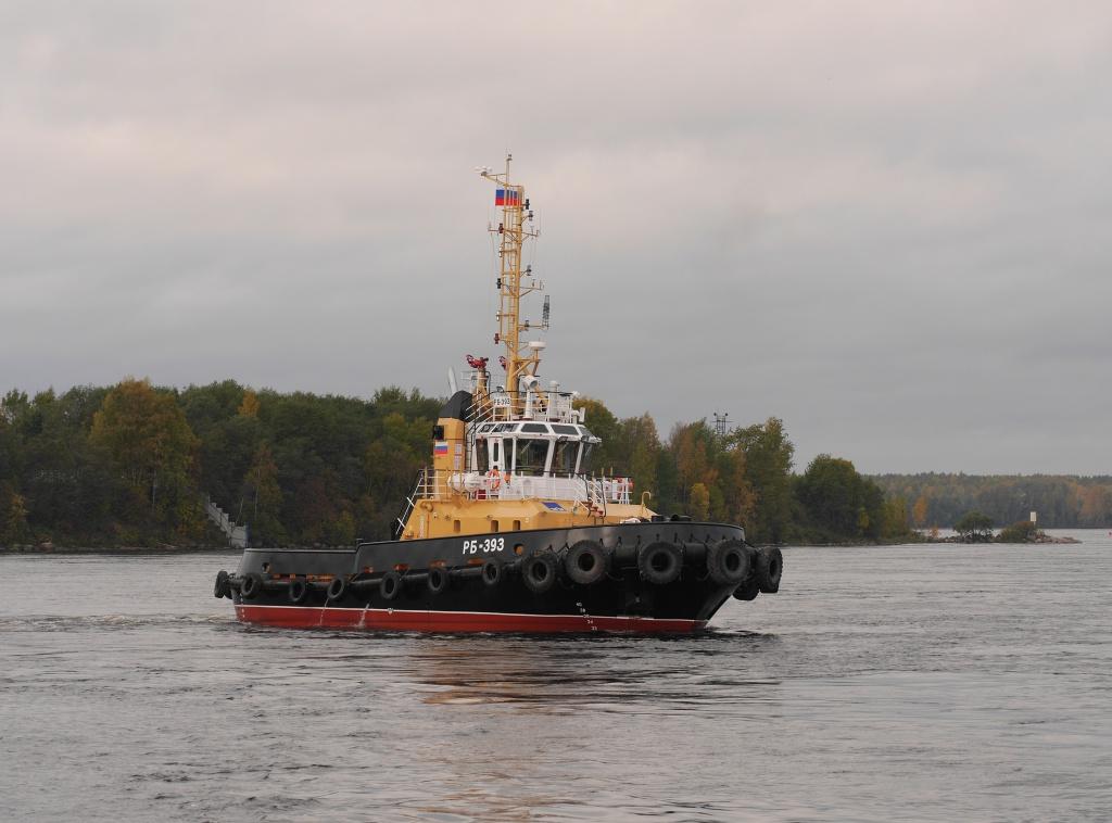 Всостав ВМФ Российской Федерации  принят новый  рейдовый буксир «БУК-2181» проекта 04690