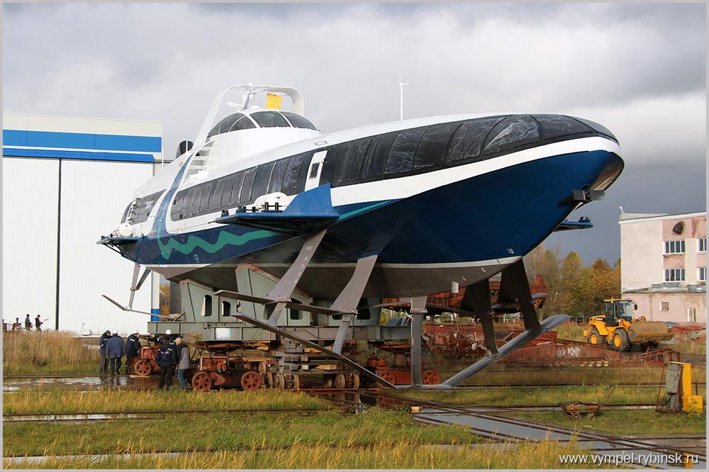 ВРыбинске спустили наводу пассажирское судно наподводных крыльях