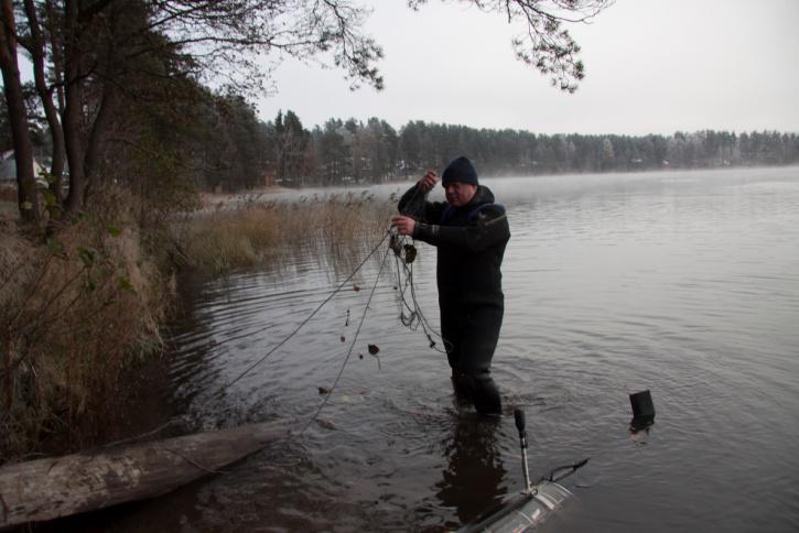 Распутывание рыболовной сети, намотавшейся на «хвост» глайдера
