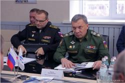 Заместитель министра обороны посетил судостроитель