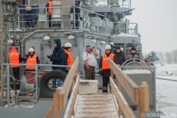 Первый выход на испытания судна связи