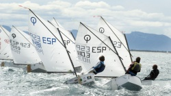 Академия парусного спорта Санкт-Петербурга предста