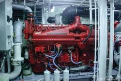 Главный двигатель Cummins марки QSK-50
